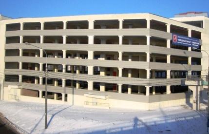 Фото многоэтажной парковки в одном из микрорайонов