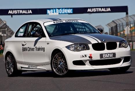 Фото спортивного BMW V8